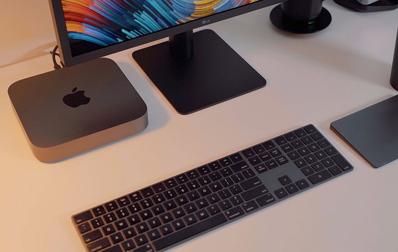 mac mini on desk